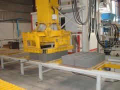 Used vibrating press automatic block line Universal 1000 (1300-15